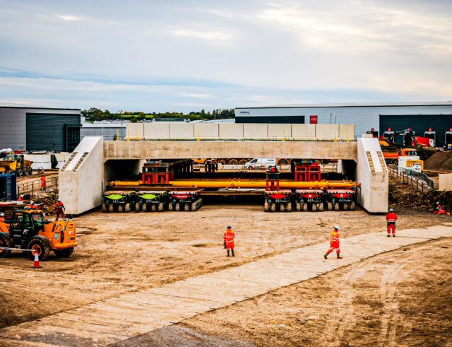 Osprey moves UK's heaviest bridge